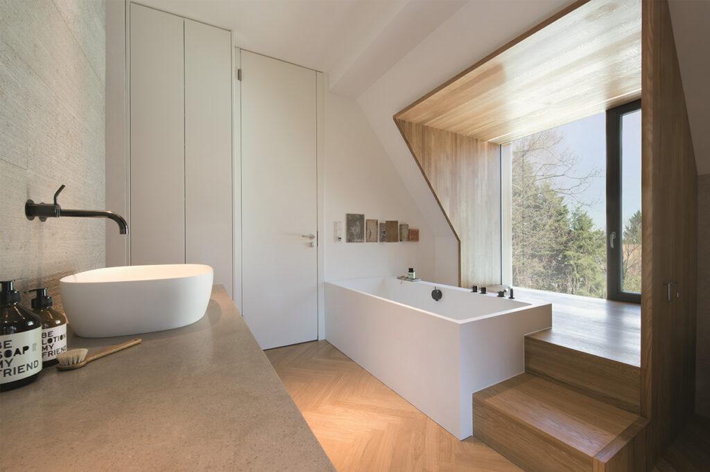 Dreyer Bad, Aqua Cultura Referenz, Dachbad, Holzgaube, Holz im Bad, Dachschräge