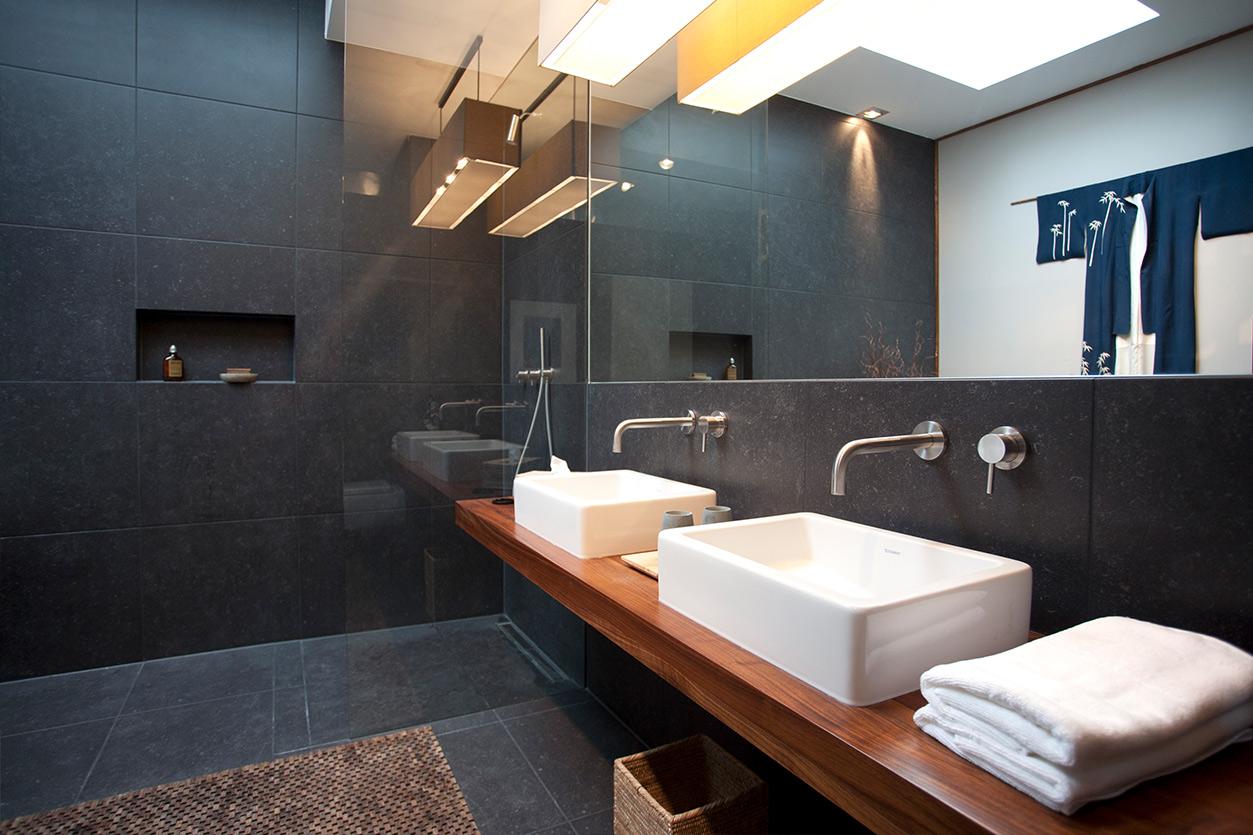 aqua-cultura-dachbad-goldmann-asiatisch-transparente-dusche