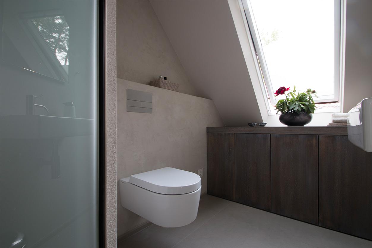 aqua-cultura-dachbad-goldmann-bad-mit-ausblick-gäste-WC