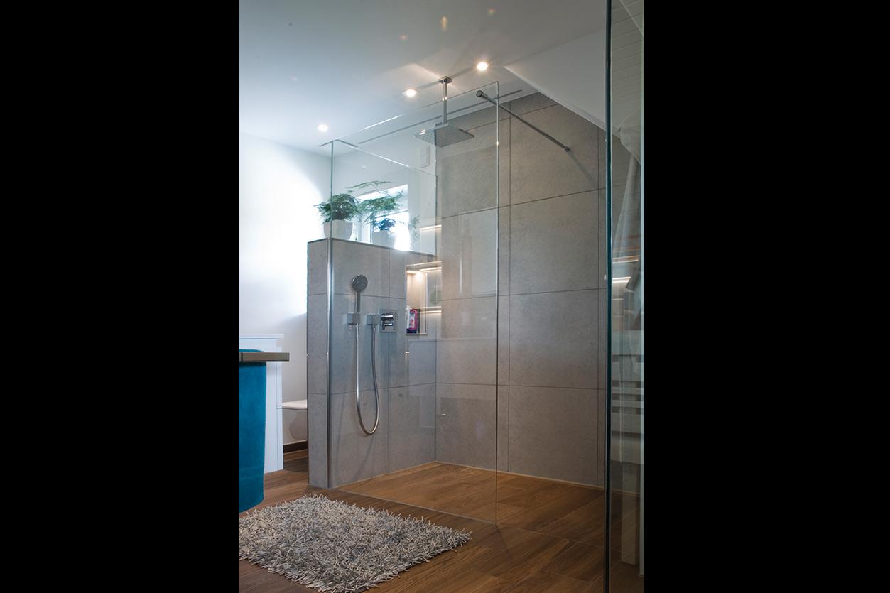 Wagner Bad, Aqua Cultura Referenz, Familienbad, Sauna, Duschbereich