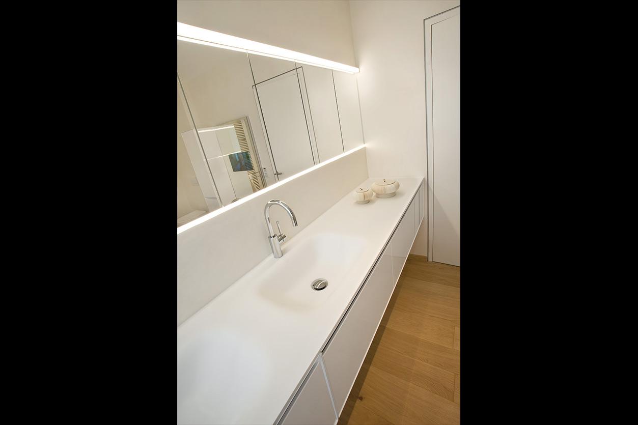 Dreyer Bad, Aqua Cultura Referenz, großes Bad, Wannenbad, großer Spiegel