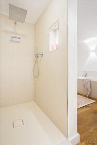 Musculus Bad, Aqua Cultura Referenz, großes Bad, wohnliches Bad, Dusche