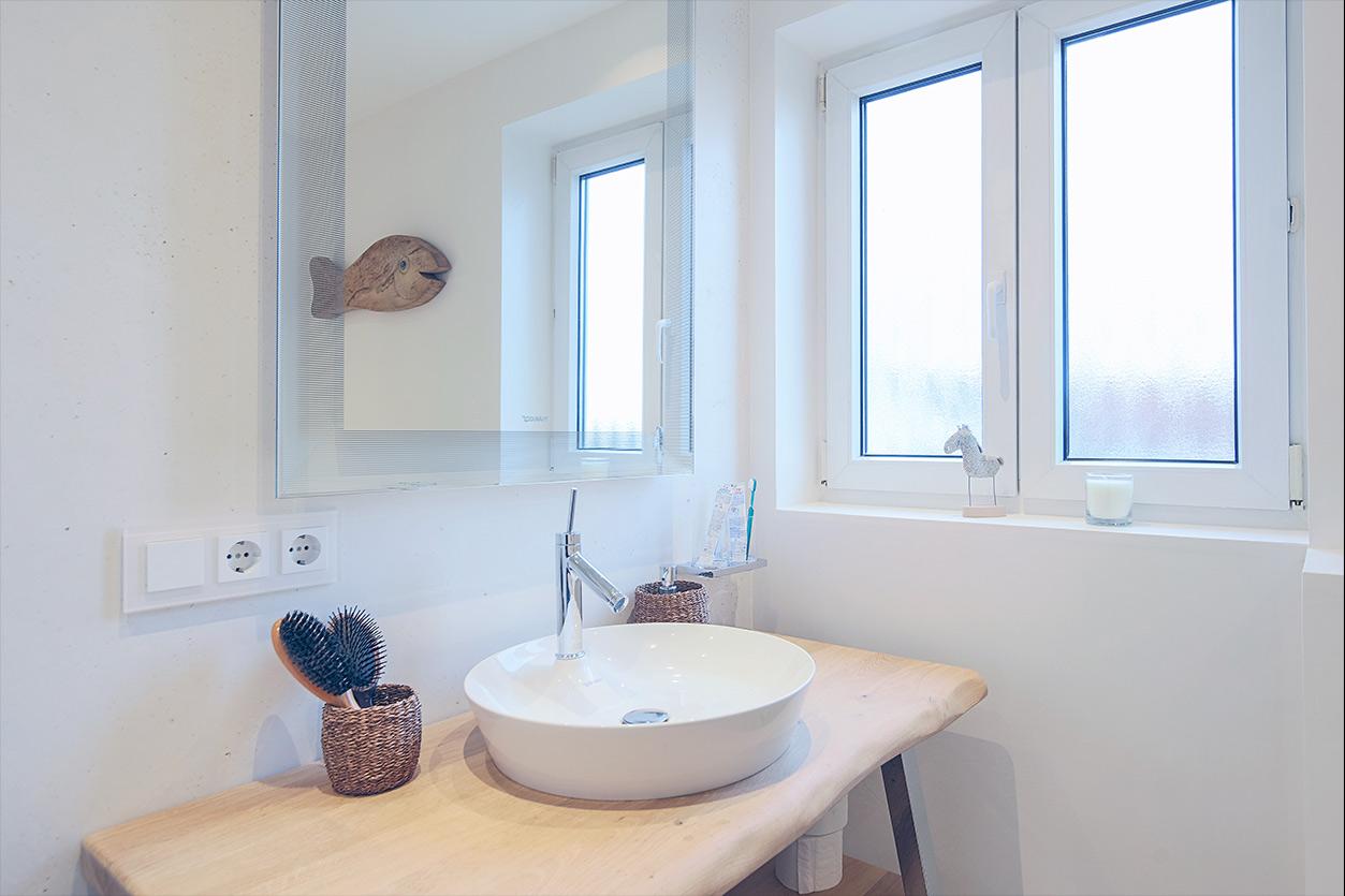 Koch Bad, Aqua Cultura Referenz, Kleines Bad, Badewanne, Waschtisch