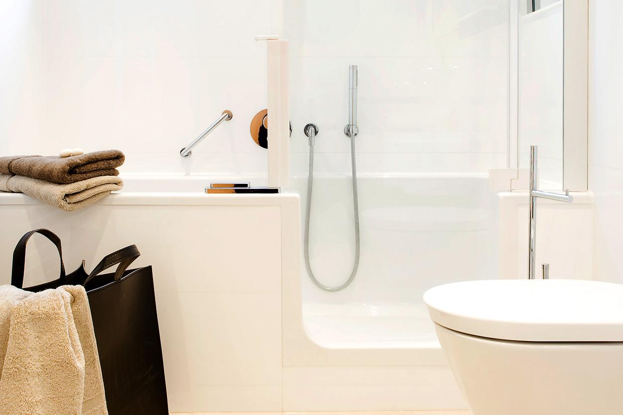 Bukoll Bad, Aqua Cultura Referenz, barrierefreies Bad, begehbare Badewanne, fast stufenloser Einstieg in die Wanne