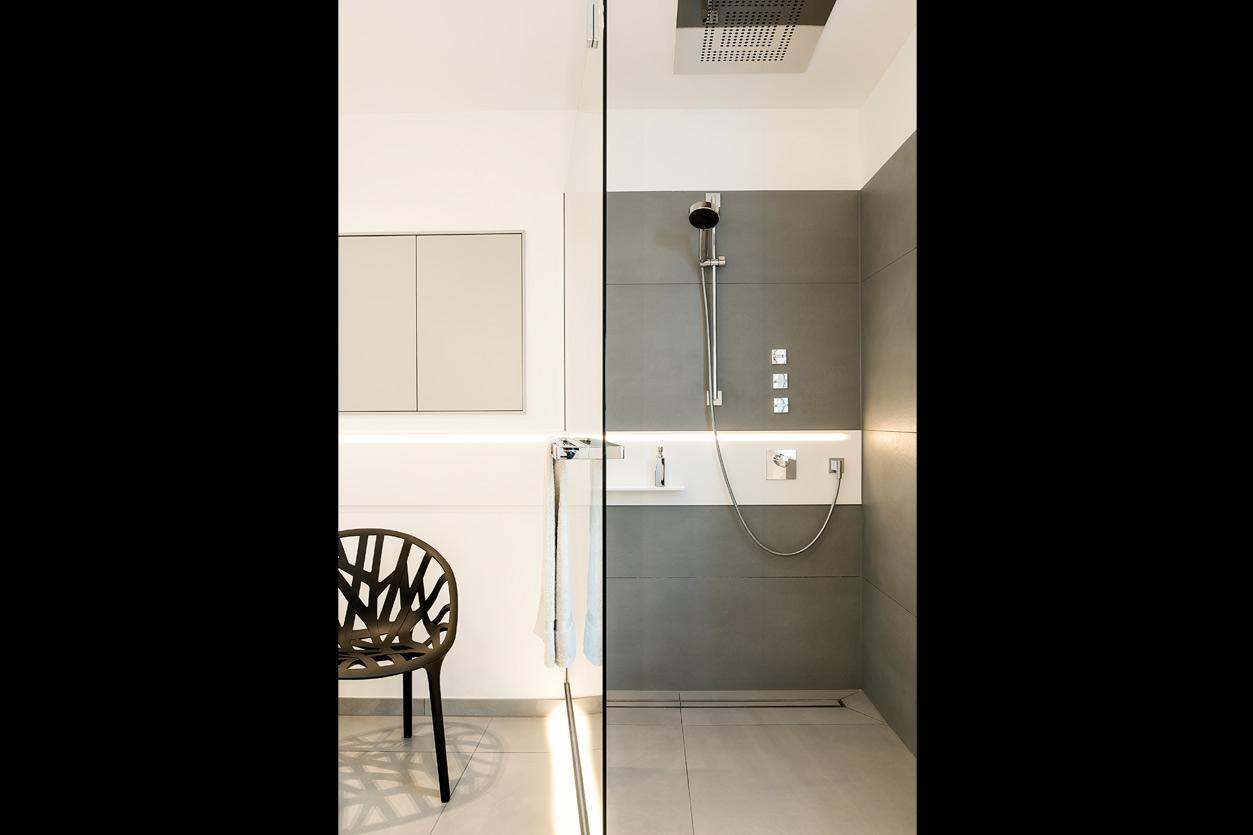 Bukoll Bäder und Wärme, Aqua Cultura Referenz, grosses Bad, Duschbereich